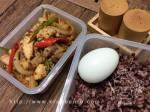 ไก่ผัดพริกเผา กับข้าวและไข่ดาว